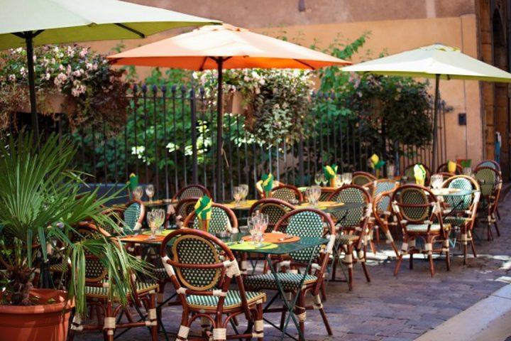 Vila Nova Conceição: vista externa de restaurante