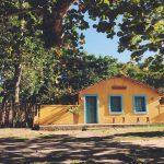Tradições de Trancoso: casinha amarela no campo