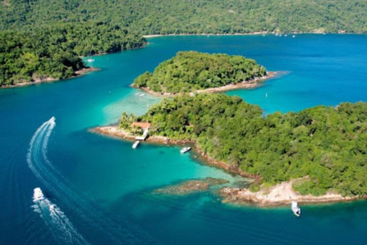 Vista aérea da Ilha Grande, em Angra dos Reis