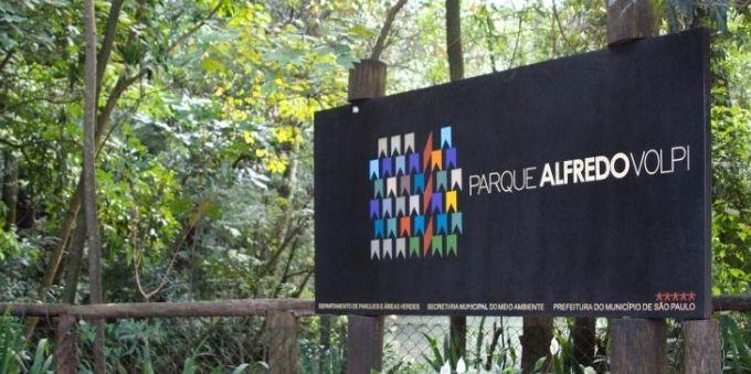 Morumbi e arredores: imagem mostra placa indicativa do Parque Alfredo Volpi