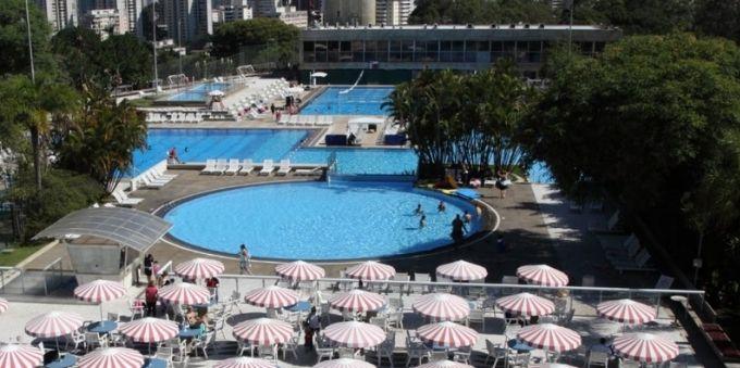 Morumbi e arredores: imagem mostra parque aquático, com piscinas e guarda-sóis