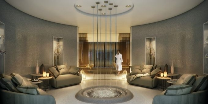 Morumbi e arredores: imagem interna mostra sala de estar em spa e mulher em pé de roupão