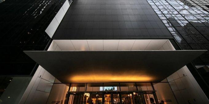 Nova York: imagem da frente do MoMa (Museu Metropolitano) após reforma