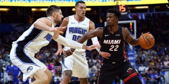 Miami: imagem mostra jogadores dos times de basquete Magic e Miami se enfrentando em partida