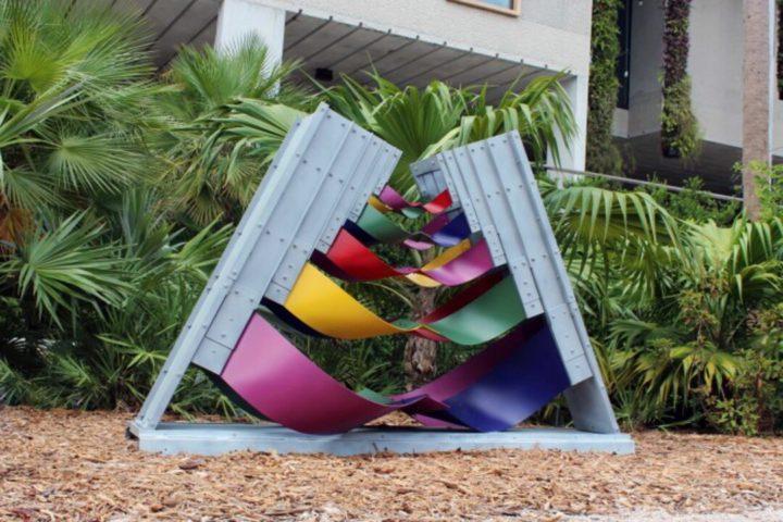 Imagem mostra obra de arte contemporânea em Miami