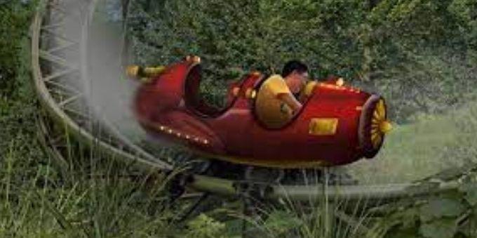Paris: imagem mostra brinquedo para crianças em formato de avião